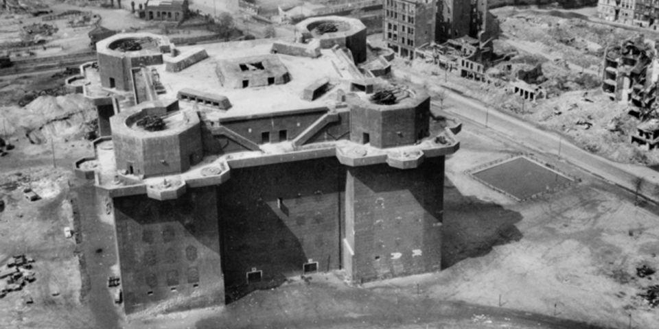 Der Flakturm IV im April 1945